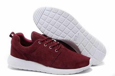 new arrival 1015d da5e6 Les hommes ne comprendront jamais pourquoi les femmes aiment ramasser des  tonnes de paire de chaussures.