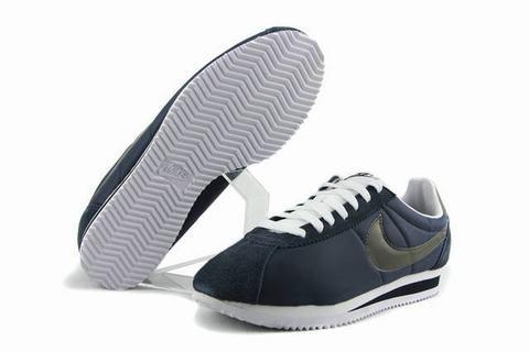 info for b164a 3db94 Chaussures Nike continuer à être populaire aujourd hui parmi les athlètes  professionnels, les amateurs de sport, et ceux qui cherchent juste une  paire de ...